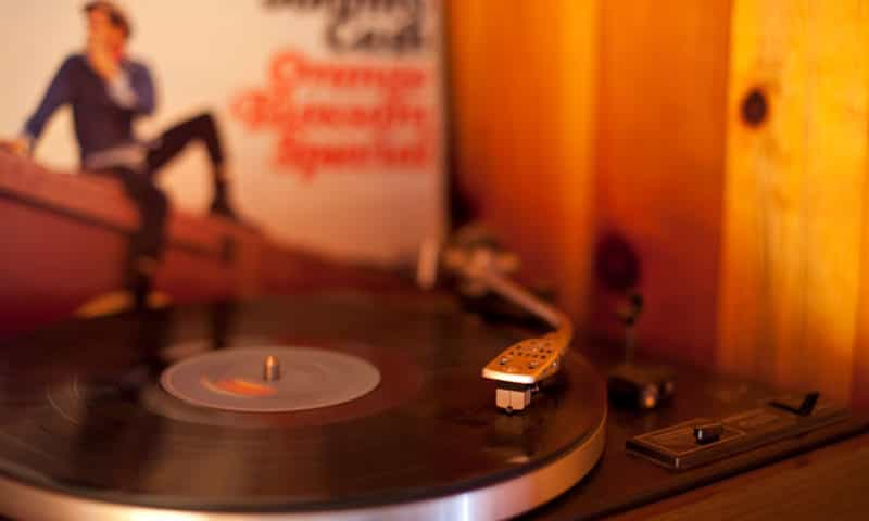 record-player-in-chalet