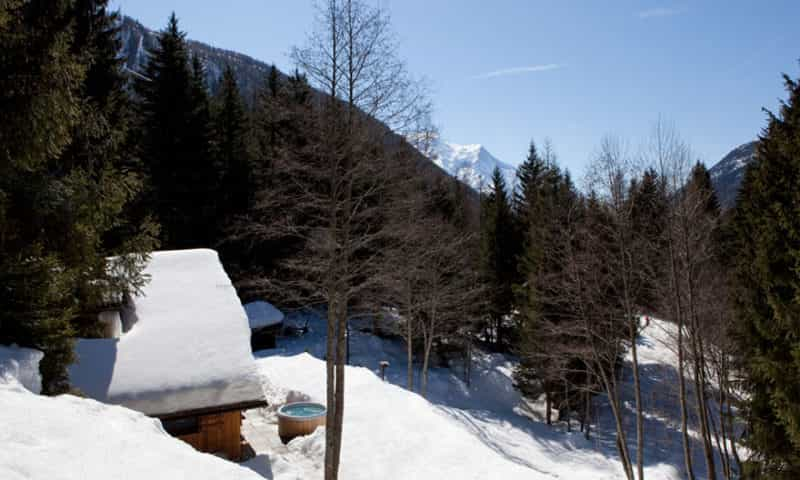 traditional-mountain-style-chalet