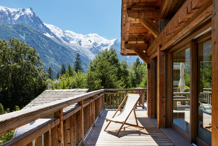 image of a chalet upper terrace