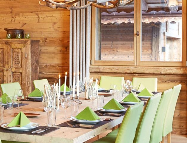 image of the dining area in a chalet