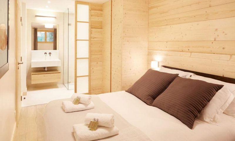 image of a bedroom in luxury chalet
