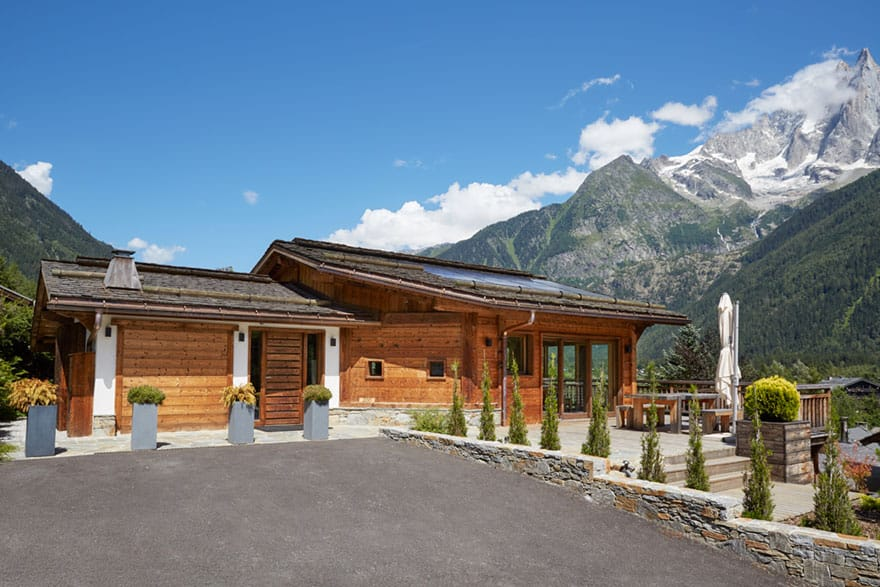 image of the exterior of a luxury chalet