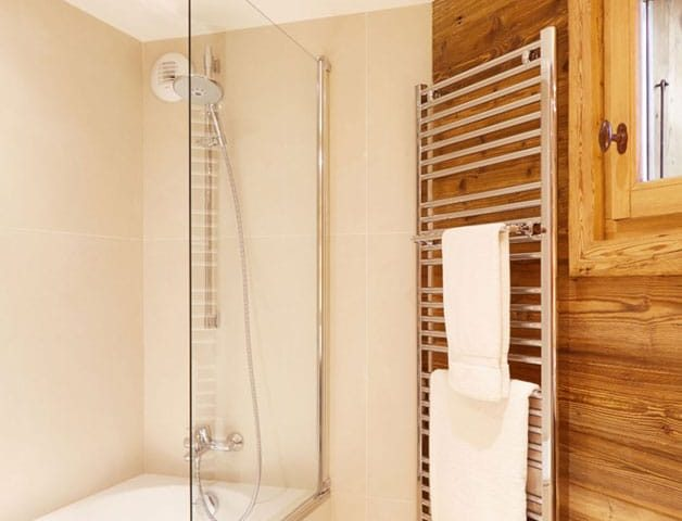 image of a shower room in Chamonix
