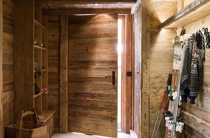 image of a ski chalet room