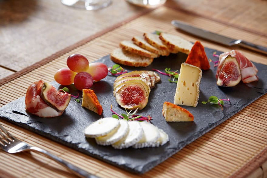 image of a typical cheese board course