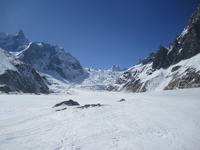 photo of vallee blanche in chamonix