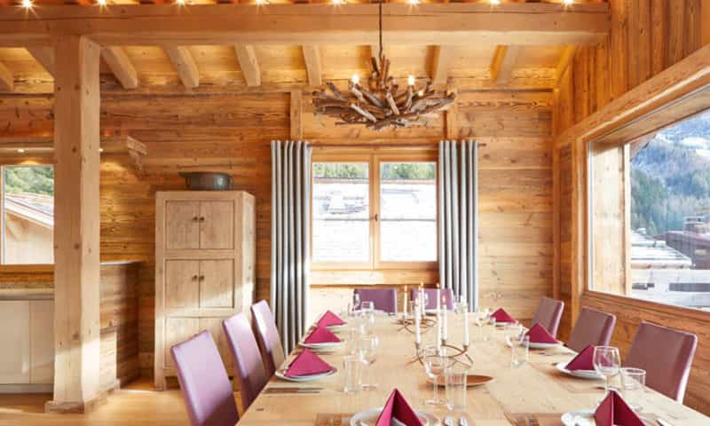 fully-caterted-ski-chalet-chamonix