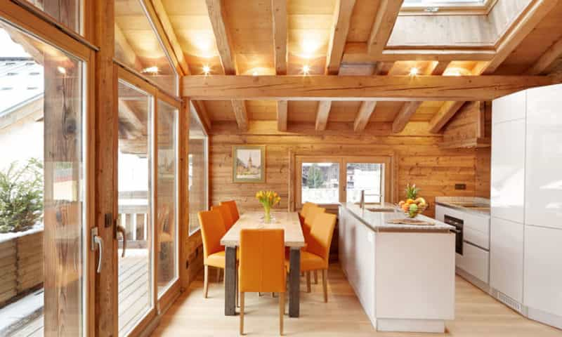 Chalet Kitchen and Dining Area