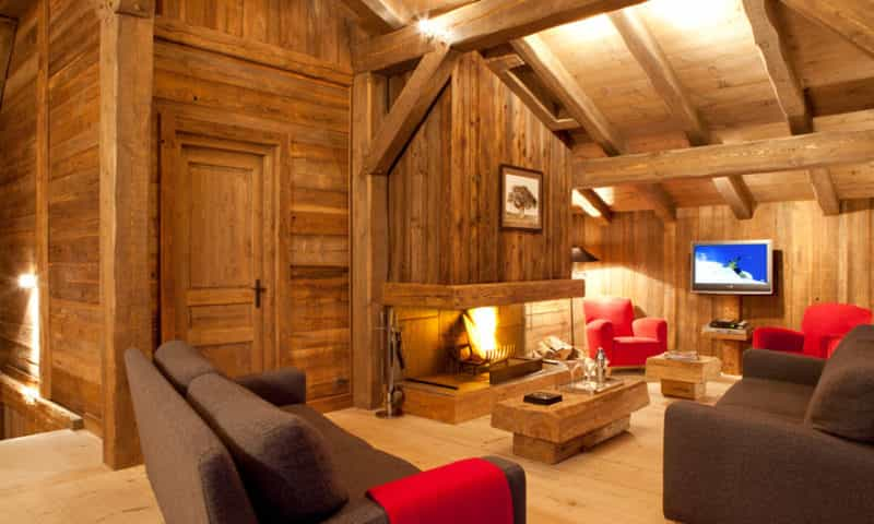 lounge-and-fireplace