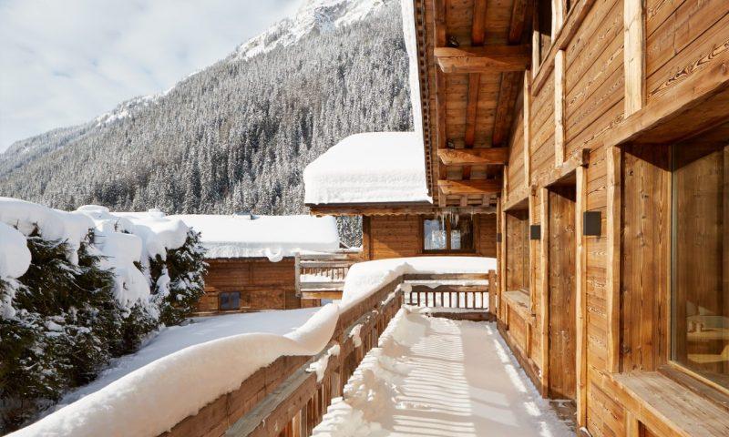 Zenith 2 Luxury Ski Chalet Balcony