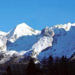 image of a mountain range
