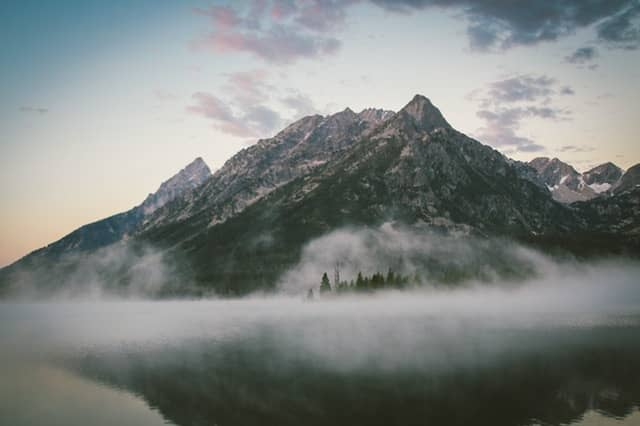 image of mountain landscape