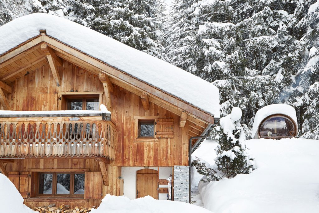 picture of chalet in chamonix under snow