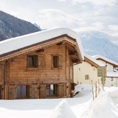small-ski-chalet-chamonix